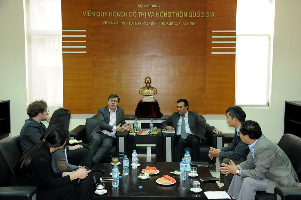 General director received the leader of AREP (France)