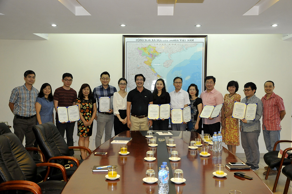 Students from University of Seoul fulfilled internship at VIUP
